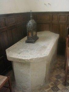 Pierre tombale de Saint Hildevert